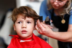 Haircut for little boy mother cut hair for son at home
