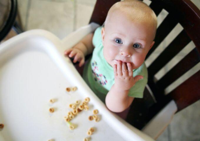 baby milestones finger feeding